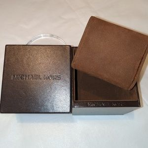 MICHAEL KORS Brown Watch Box with Watch Cushion